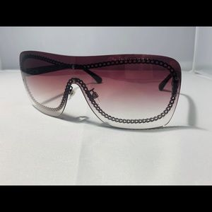 NEW $550!! CHANEL Burgundy Chain Sunglasses 4243